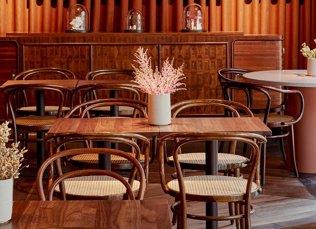 lindley lindenberg hotel frankfurt cafe thonet chairs